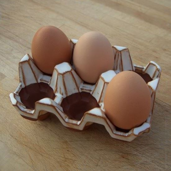 Picture of Pottery Egg Rack | 6 Eggs - Oatmeal Glaze
