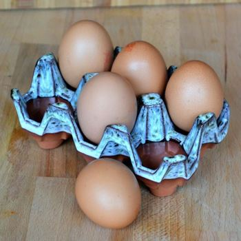 Picture of Ceramic Egg Holder | 6 Eggs - Turquoise Glaze