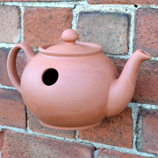 Picture of Teapot Wall Bird Nester